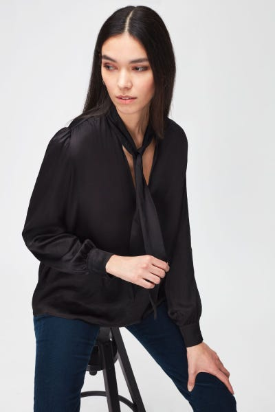 TIE NECK RUCHED SHOULDER LS BLOUSE SATEEN BLACK