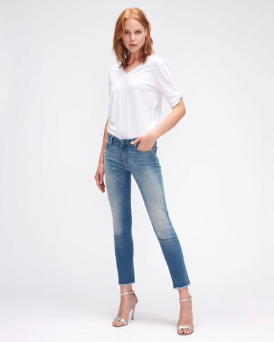 PYPER CROP SLIM ILLUSION NECESSITY WITH RAW CUT FRAYED