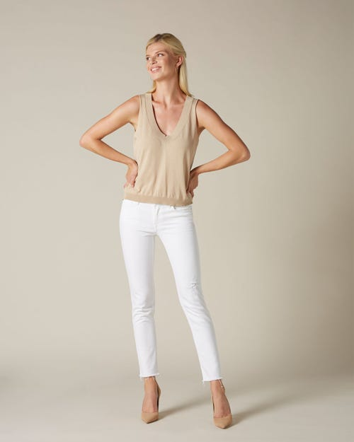 PYPER CROP PURE WHITE WITH RAW CUT AND DISTRESSED