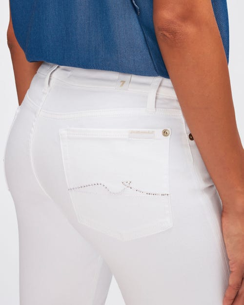 THE SKINNY CROP SLIM ILLUSION PURE WHITE WITH EMBELLISHED SQUIGGLE