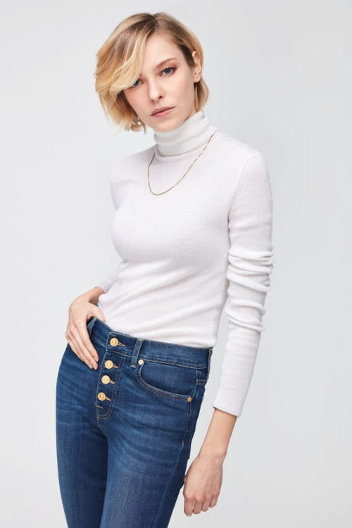 THE STRAIGHT CROP B(AIR) DUCHESS  WITH EXPOSED BUTTONS